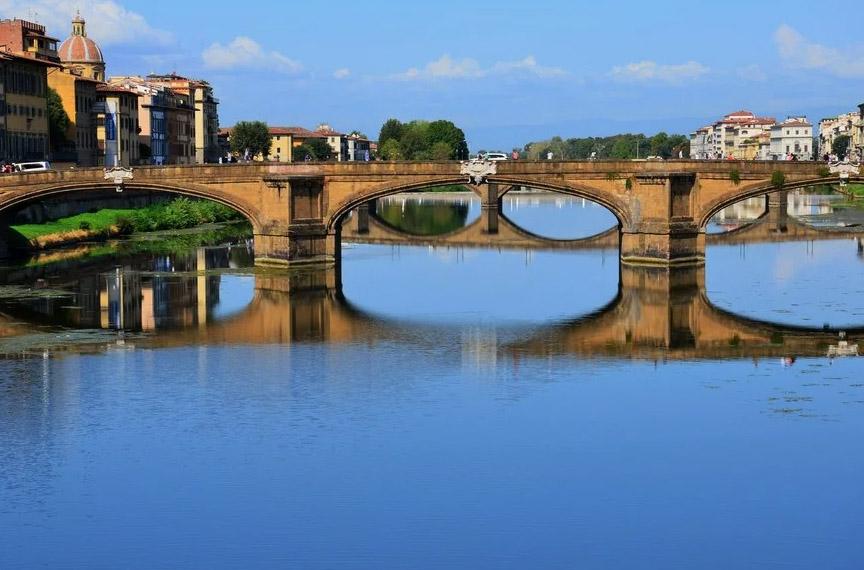 Италия. Флоренция. Мост Санта Тринити