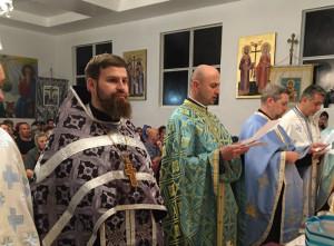 Настоятель храма принял участие в Таинстве Соборования в румынском храме