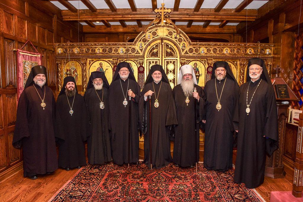 Фото членов исполнительного комитета Конференции православных епископов Америки после заседания, состоявшегося в 2019 году