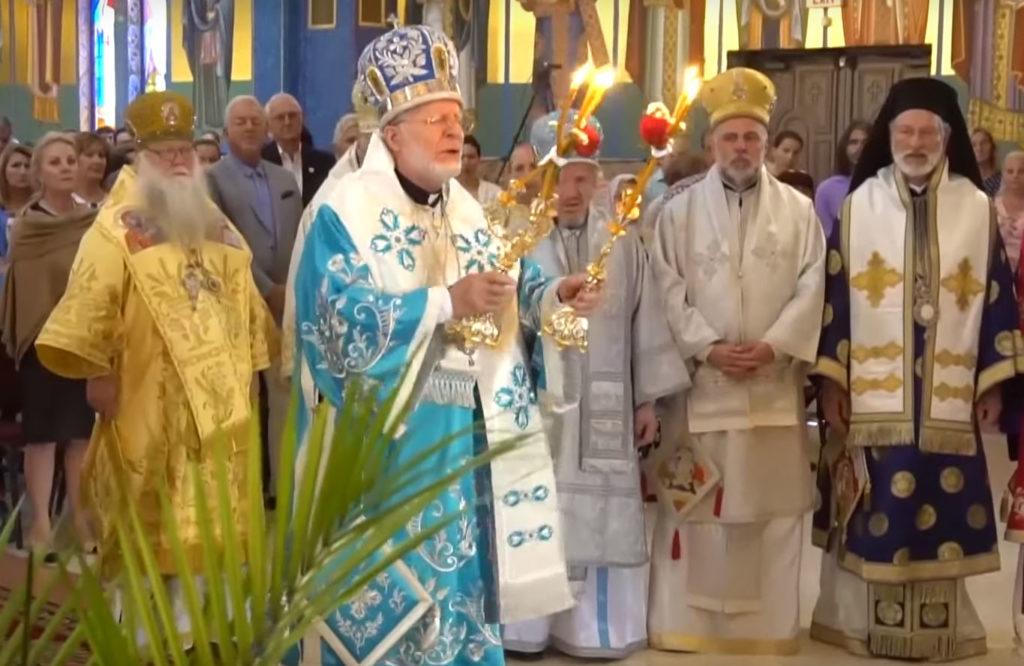 31 августа 2019 г., Калифорния. Архиепископ Чикагский Петр Русской Зарубежной Церкви (первый слева) вместе с иерархом Греческой Архиепископии Америки