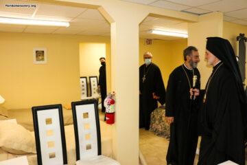 Архиепископ Елпидофор передал в дар старейшему православному монастырю Флориды часть мощей великомученика Димитрия Солунского