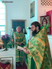 В день Пресвятой Троицы в соборе святой Матроны в Майами совершили праздничное богослужения